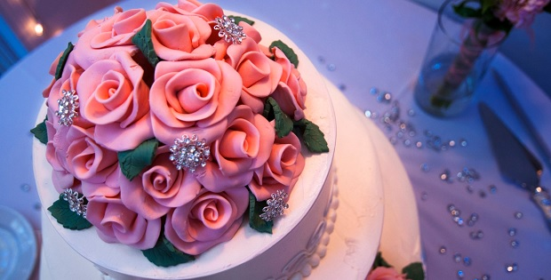 2-12-Beautiful-Wedding-Cake-Photos